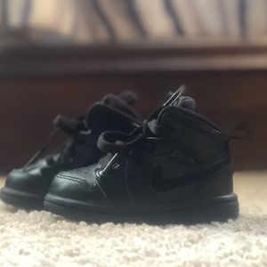 4c toddler Nikes